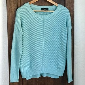 Relaxed Long-Sleeve Knit Sweater